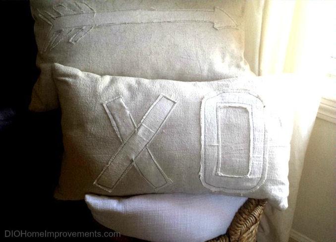 XO & Arrow Valentines Pillows